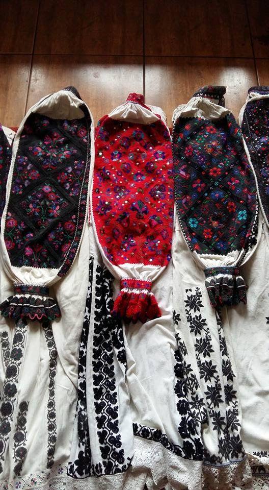 Romanian blouses detail - Tinutul Padurenilor