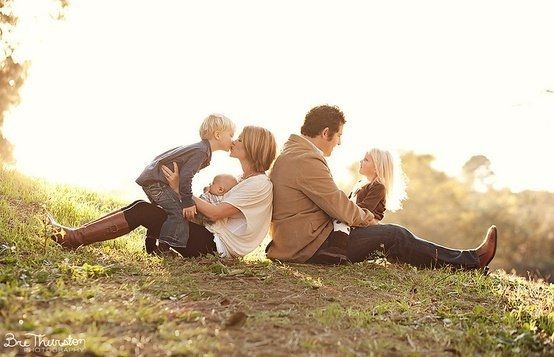 125+ Family and Sibling Photos to Get Posing Ideas and Inspiration