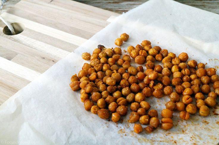 gezonde snack: geroosterde kikkererwten met kruiden