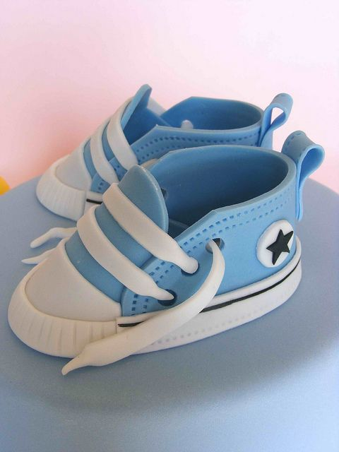 Fondant blue baby sneakers by bubolinkata, via Flickr