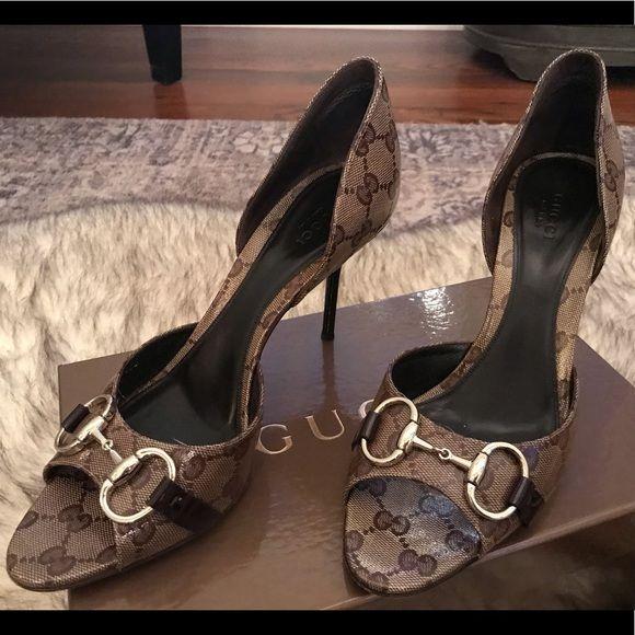 0fcdd4a14d084 Gucci monogram heels Authentic Gucci patent leather horsebit ...