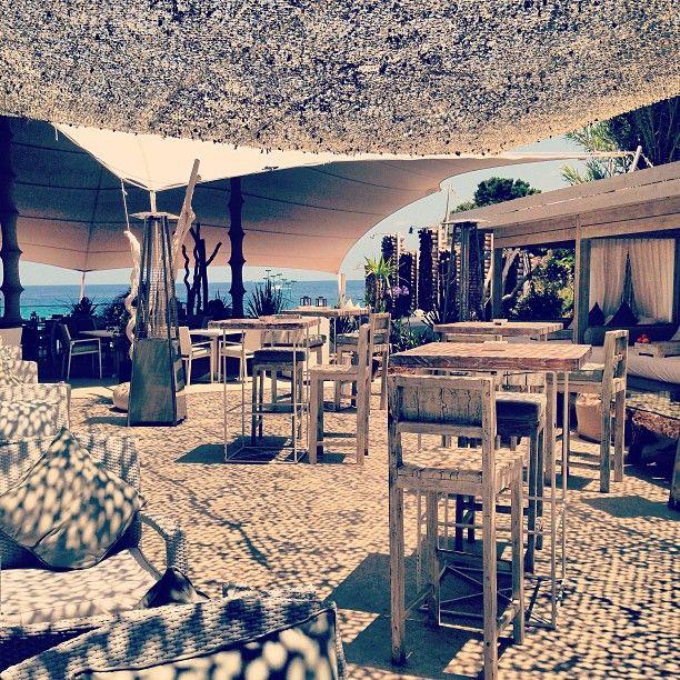 Atzaro Beach Club, Ibiza http://www.bonderco.com/ibiza