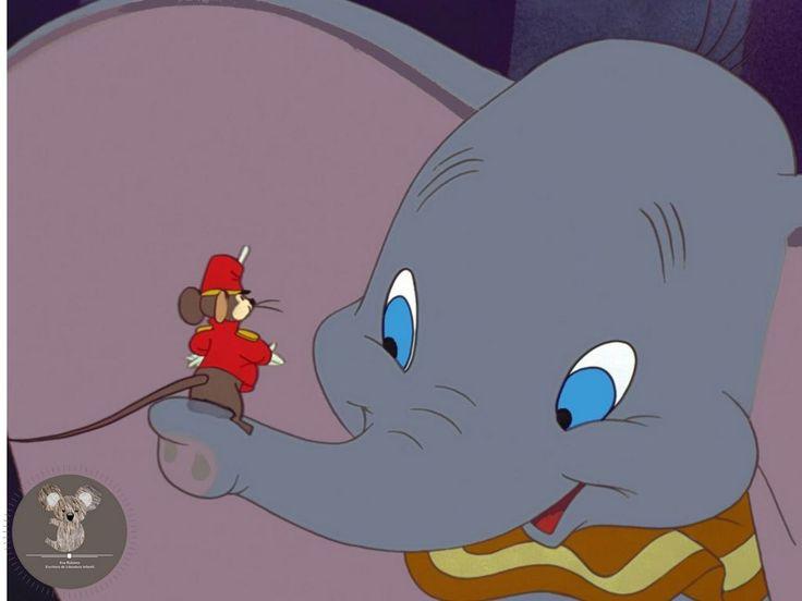 Dumbo se divierte con su amigo Timoteo. Dumbo la película.