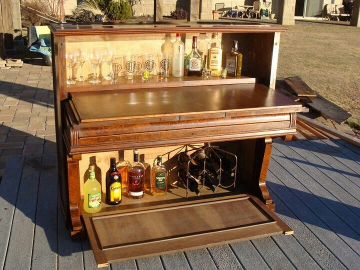 Piano Bar