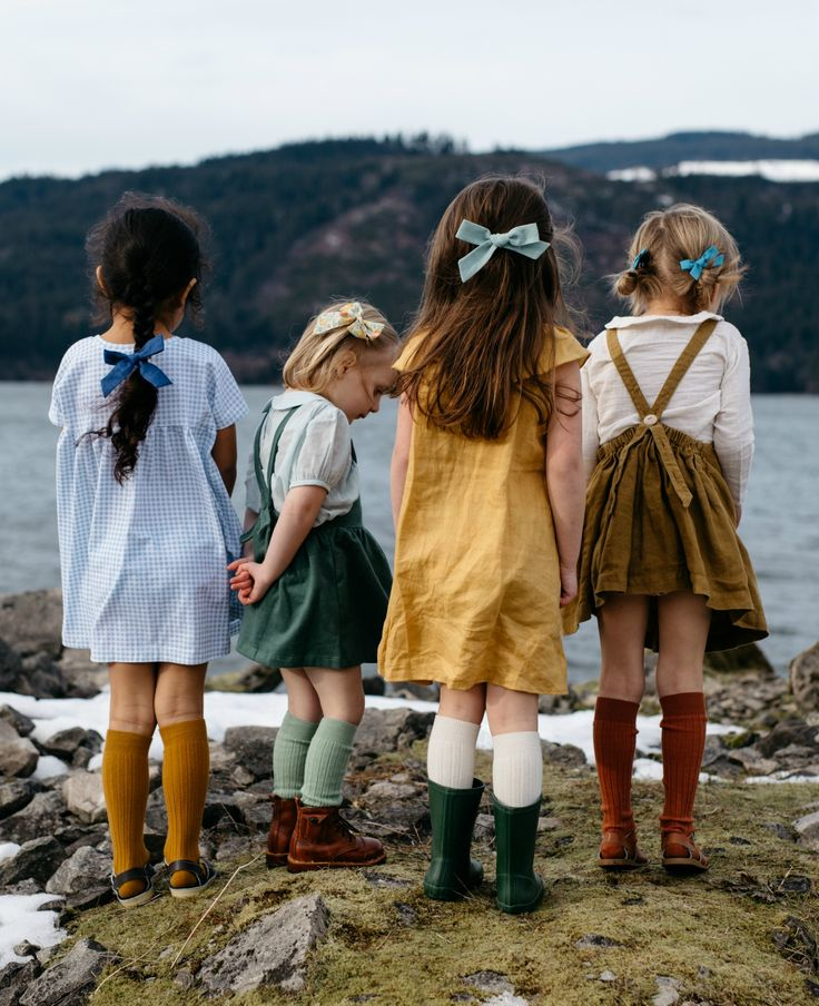 Click to shop handcrafted heirloom bows by Wunderkin Co. Classic hair bows made to embolden your baby's, toddler's or little girls free spirit and individual style. Handmade by moms in the USA and guaranteed for life.