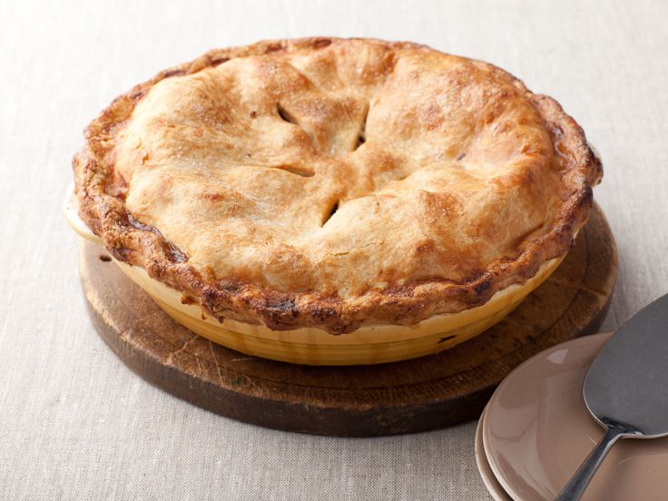 Ina Garten's Deep-Dish Apple Pie #Thanksgiving #ThanksgivingFeast #Dessert