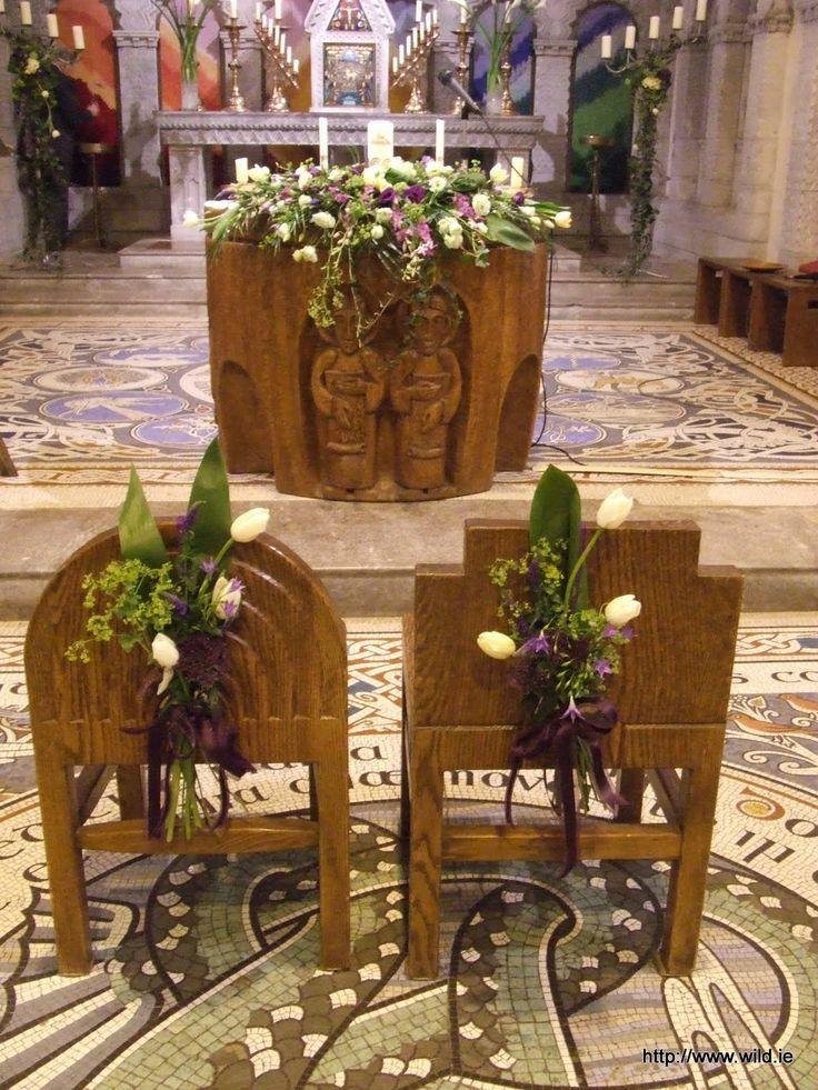 Alter flowers - Honan Chapel