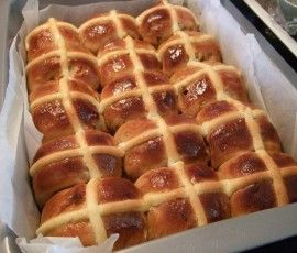 """Fluffy"" Easter Buns: Looking for a lighter bun?. http://www.bakers-corner.com.auhttps://www.bakers-corner.com.au/recipes/bread/hot-cross-buns/fluffy-easter-buns/"