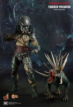 Hot Toys : Predators - Tracker Predator with Hound 1/6th scale Collectible Figure