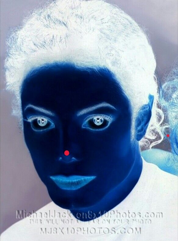 Stare at the red dot on his nose for about 30 seconds and then look to the ceiling.