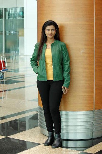 It is reported that Amala Paul has opted out of the mega venture 'Vada Chennai' directed by Vetri Maaran. Amala Paul is currently busy with 'Bhaskar Oru Rascal' with Arvind Swami directed by Siddhique and other films. The actress, who completed the first schedule of 'Vada Chennai' long ago, has decided to walk out from the project citing date issues.  Rumors are speculating that actress Aishwarya Rajesh ...