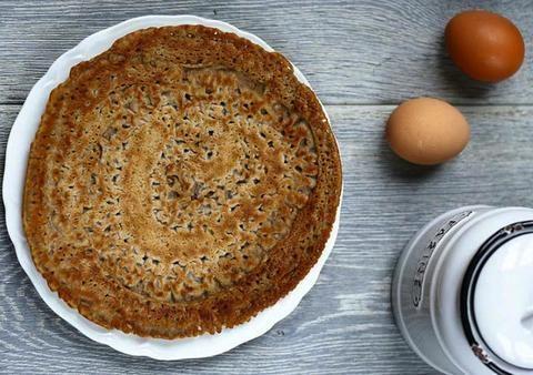Crepes au Sarrasin / Galettes Bretonnes (Buckwheat flour) | France Gourmet