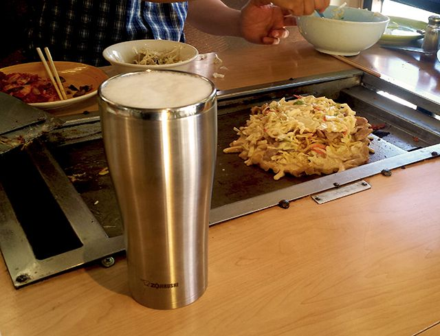 The Stainless Tumbler (SX-DA) keeps our beer nice and cold while we make #okonomiyaki! Where does your #ZoGo?