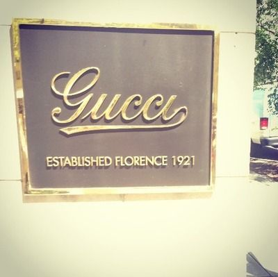 Gucci sign