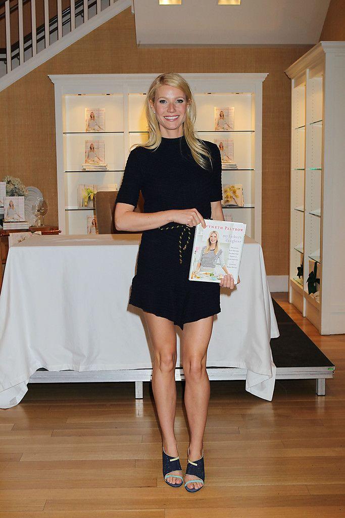 Gwyneth Paltrow Photos - Gwyneth Paltrow at a Book Signing