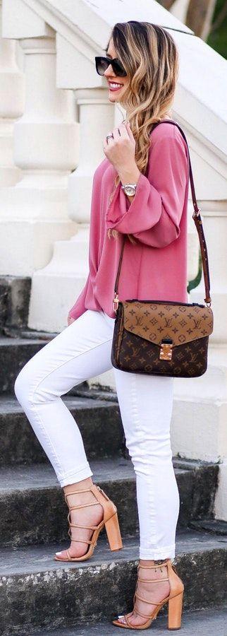 #winter #fashion /  Pink Knit / White Skinny Jeans / Camel Pumps / Brown Shoulder Bag