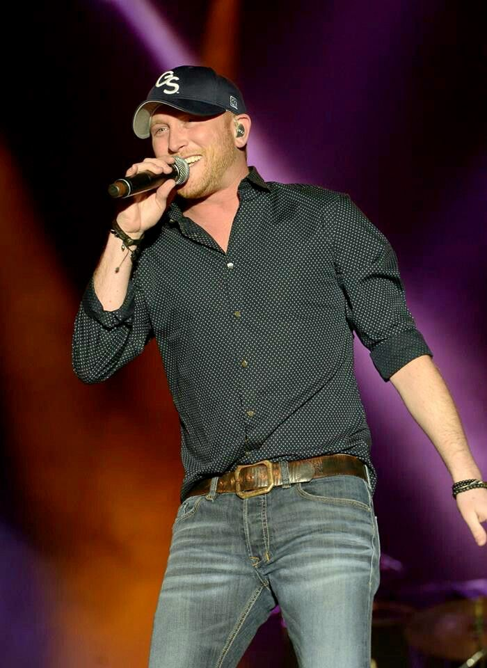 Cole Swindell ❤️ at Arrowhead Stadium was the best!!