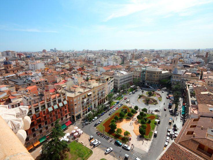 El Centro Comercial El Saler loves el #centro de la ciudad de #Valencia y la plaza de la Reina / vía http://www.confortelhoteles.com
