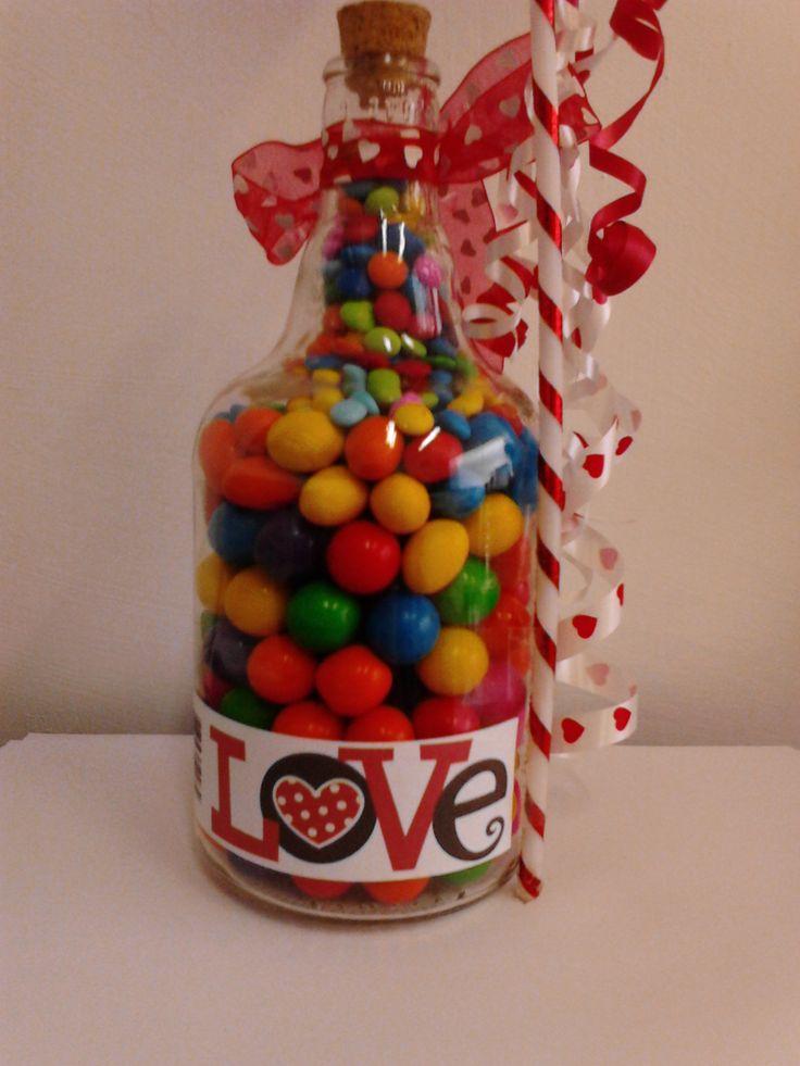 Botella reciclada rellena de chicles con etiqueta para - Botellas de vidrio para regalo ...