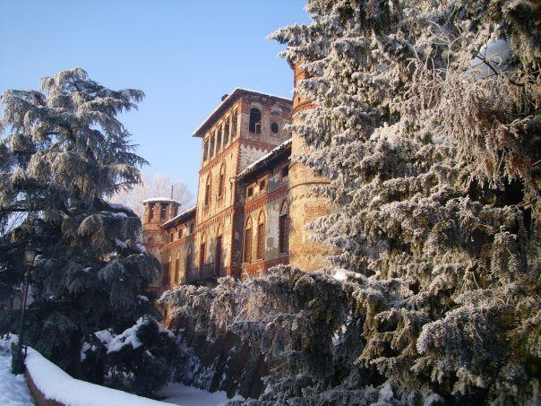 Castello di Piovera. La Magia non s'interrompe con l'arrivo dell'inverno / Winter Season makes even more magical the atmophere