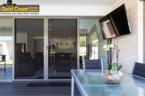 If You Re Thinking To Install Crimsafe Doors In Gold Coast Securelux Is The Best Crimsafe Security Scr In 2020 Window Security Screens Security Screen Window Security
