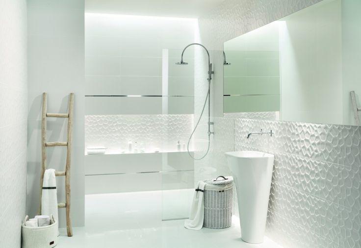 biała mała łazienka