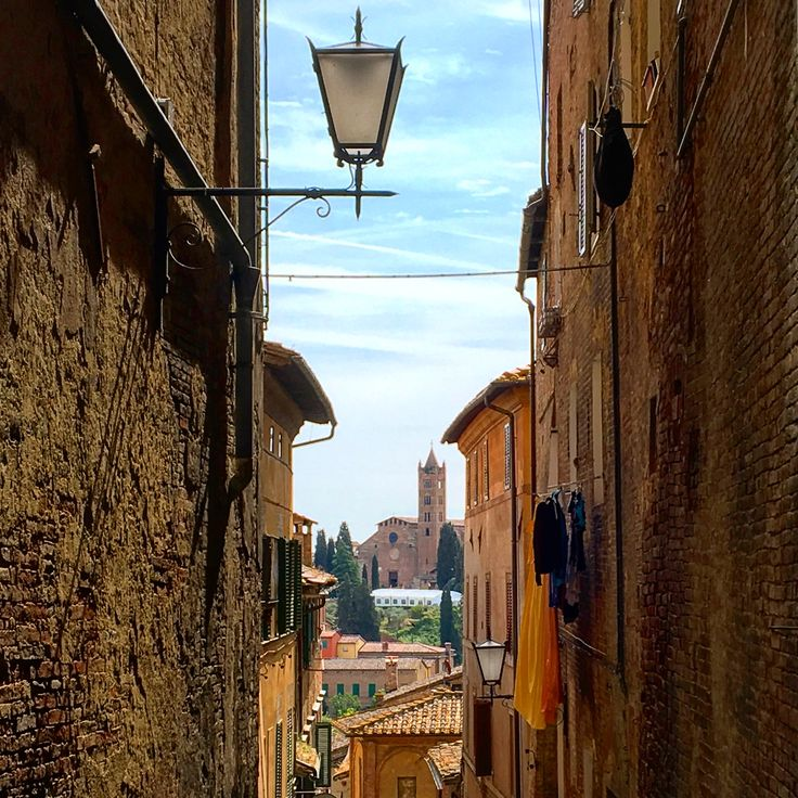 Wandering through the narrow streets of Siena