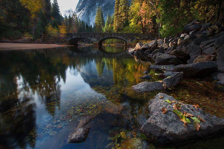 20 pontes surreais que parecem te levar para outro mundo                        Ponte sobre o rio Merced, Yosemite, EUA