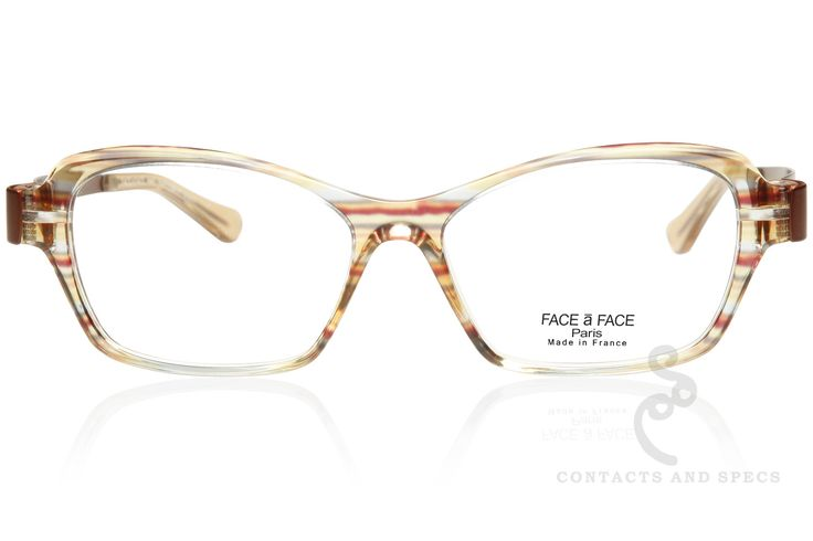 Face-a-Face a leading French eyewear designer, focused on innovative materials and new construction concepts when they created the Susan 1. A laminated acetate frame in crysrtal rainbow combined with