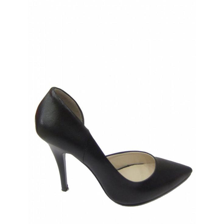 #siyah #sivritopuk #topuklu #ayakkabi