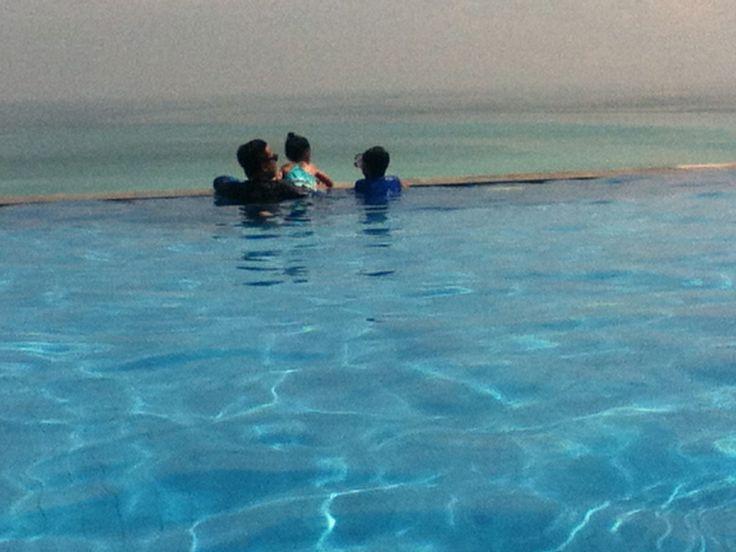 the infinity pool at Klapa Restaurant, Pecatu