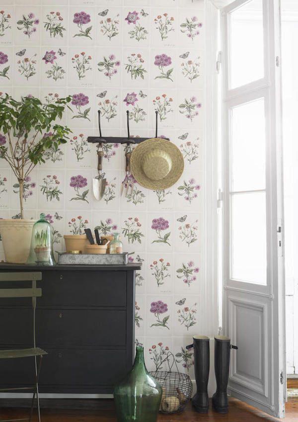 cocina con papel pintado de flores