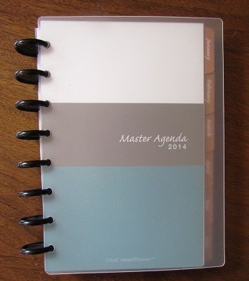 Review & GIVEAWAY: Levenger Master Agenda