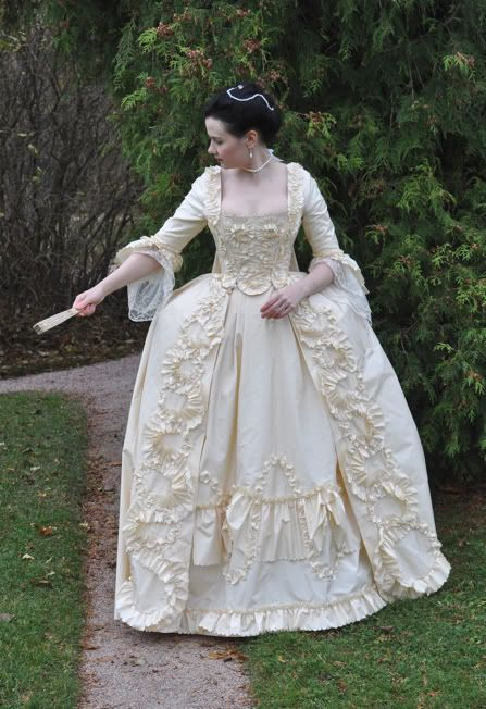 1154 best historical clothing 1700 39 s images on pinterest for Period style wedding dresses