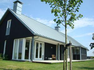 Meer dan 1000 idee n over zijkant veranda op pinterest veranda 39 s pijp roeden en schuurplannen - Meer mooie houten huizen ...