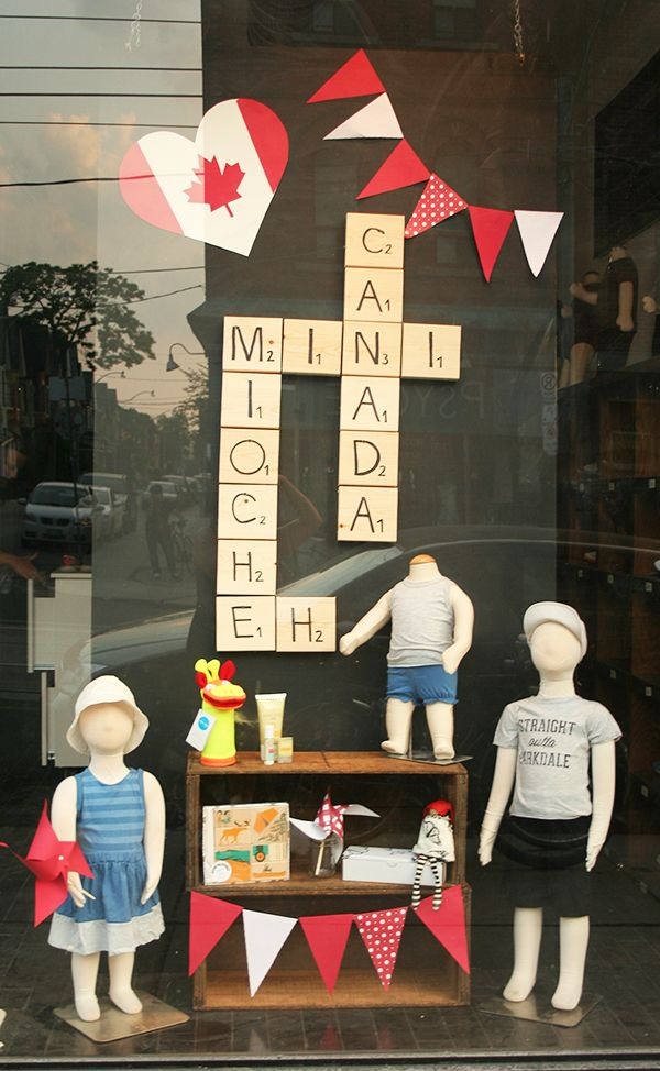 Last week I installed the Canada Day themed window at mini mioche's Queen W location. I've been itching to make oversized scrabble pieces and this window was th