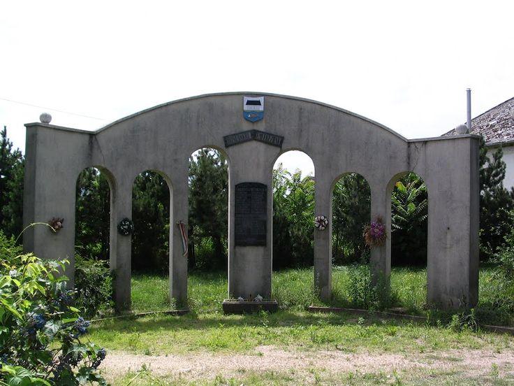 Világháborús emlékmű / World #war #monument Forrás/source: hu.worldmapz.com/photo/140984_en.htm