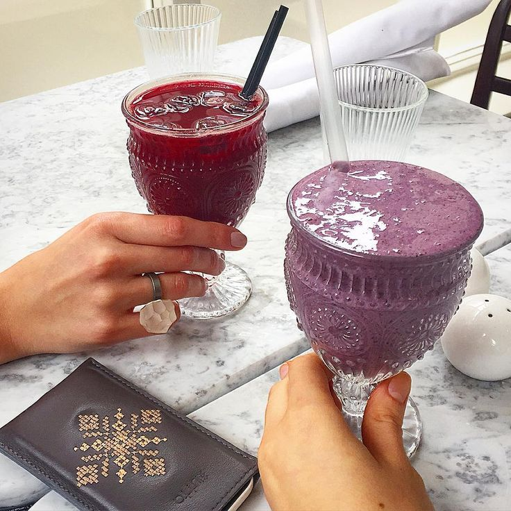 Brunch with fruit smoothies, yum!  Iutta designer leather phone case with delicate embroidery. #brunch #friendship #iphone #iphonecase #healthyliving #iutta
