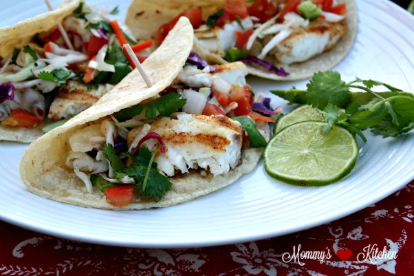 Easy grilled fish tacos mommy 39 s kitchen cole slaw for Tilapia fish taco recipes