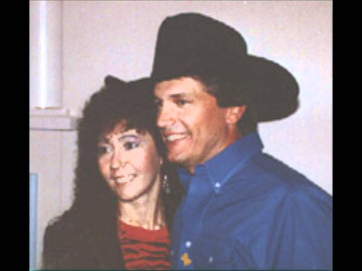 """George Strait - Stay Out Of My Arms - Here is the first track from George Strait's """"Easy Come, Easy Go"""" album, entitled """"Stay Out Of My Arms"""". A very catchy tune from early ninties Strait. It was written by one of the key writters on his previous album pure country Jim Lauderdale."""