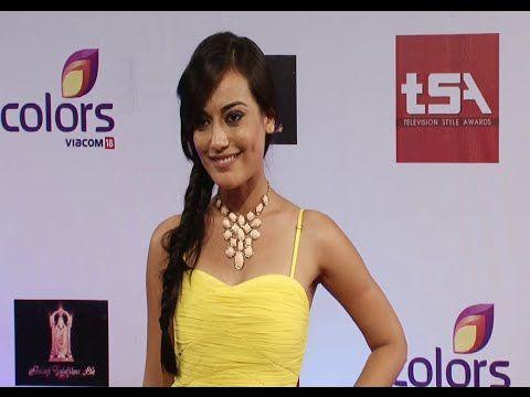 Surbhi Jyoti aka Sanam of Qubool Hai looking beautiful at Colors Television Style Awards 2015. #surbhijyoti
