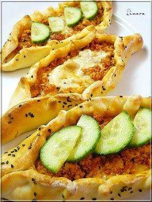 Limara péksége: Török pide (török pizza)