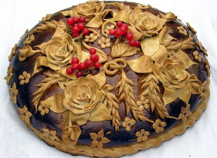"""Ok, this one doesn't have the birds but it was so beautiful I had to share.  It has """"Kalyna"""" the traditional berry used throughout Ukraine."""