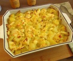 Image of Cod drizzled with béchamel sauce | Food From Portugal