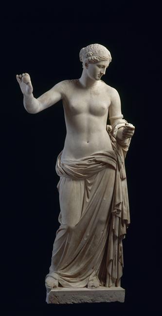 """TDO 5 - Aphrodite dite """"Vénus d'Arles"""" ~-360 Classique - 2nd Classicisme Auteur: (d'après) Praxitèle Provenance: Théâtre d'Arles ; Production: Arles Marbre H: 1,94m Conservation: MdL Fiche Louvre: http://www.louvre.fr/oeuvre-notices/aphrodite-dite-venus-darles?sous_dept=1"""