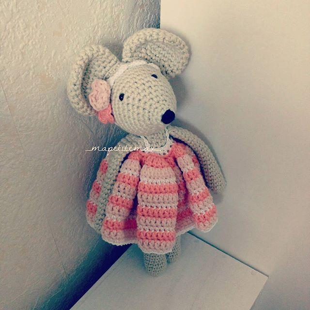 Une souris pour la souris 🐭  Un réel plaisir de crocheter #rosielapetitesouris grâce au tuto de @cotonetgourmandises 😍👌 #cotonetgourmandises  #crochetaddict  #amigurumi