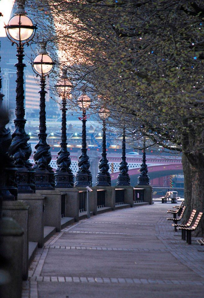 Queens Walk, London, England. I would love to go for a run here!