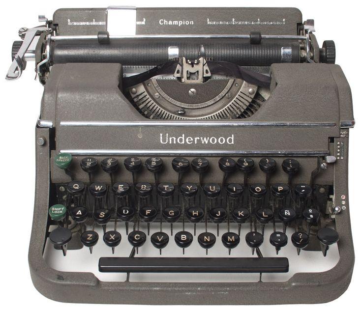 Máquina de escribir americana marca Underwood, modelo Champion.  Años 50-60 s.XX.
