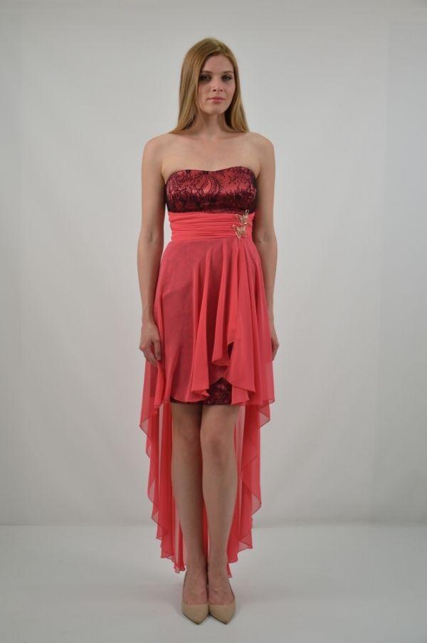 Φόρεμα κοντό στράπλες ή με ράντες