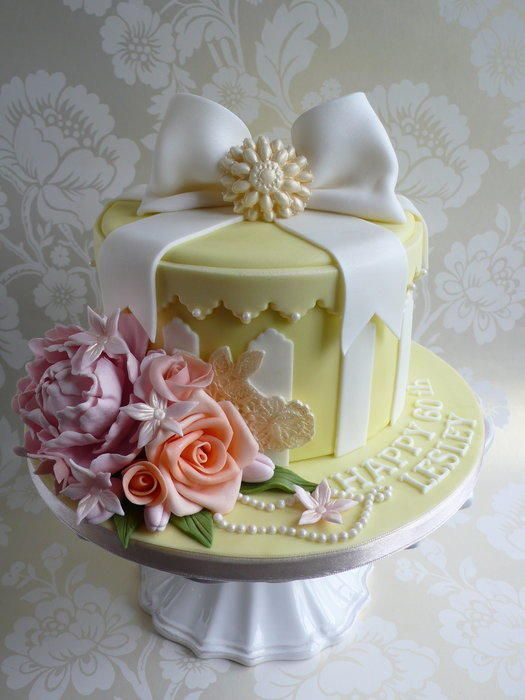 Hat Box cake with peony and roses - Cake by Jip's Cakes